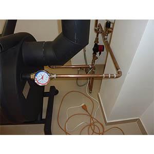Teplovzdušná pec s teplovodným výmenníkom